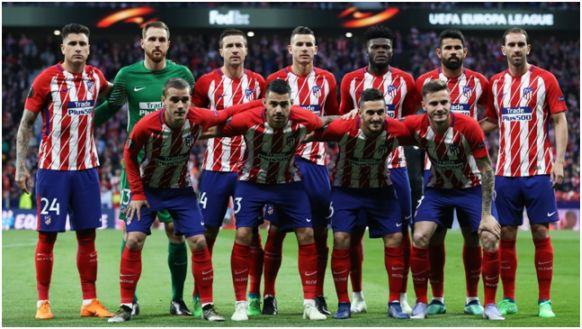 Formación 2017-18: De pie: Giménez, Oblak, Gabi, Lucas Hernández, Thomas, Diego Costa, Godín. Agachados: Griezmann, Vitolo, Koke, Saúl.