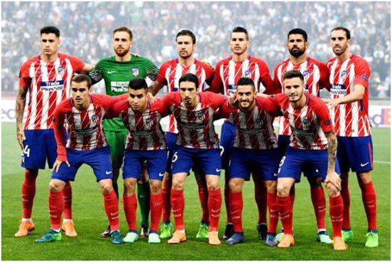 Formación Campeón Europa League 2017-18. De pie: Giménez, Oblak, Gabi, Lucas Hernández, Diego Cota, Godín. Agachados: Griezmann, Correa, Vrsaljko, Koke, Saúl.