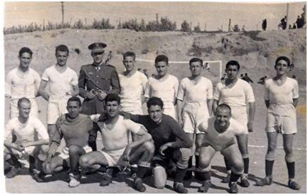 Félix Martialay en el equipo de la 9ª Unidad de Ferrocarriles de Zaragoza (1949)