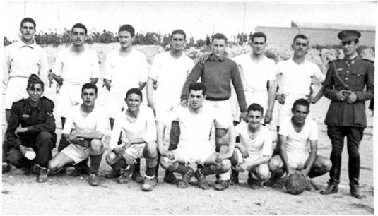 Félix Martialay en el equipo de la 9ª Unidad de Ferrocarriles de Zaragoza (mayo de 1950)