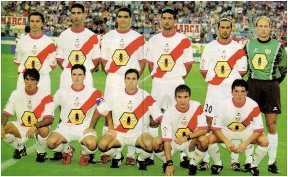 Formación 1999-00. De pie: Estíbariz, Clotet, Míchel C., Hernández J.F., Poschner, Keller. Agachados: Lloréns, Cota, Alcázar Á., Ferrón, Luis Cembranos.