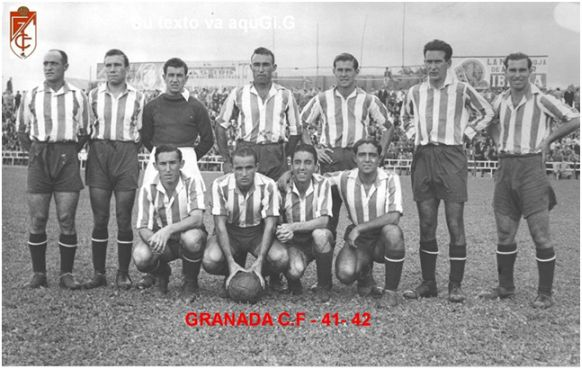 Formación 1941.42. De pie: Marín, Maside, Floro, Bonet, César, Cholín, Liz. Agachados: González, Sierra, Trompi, Millán.
