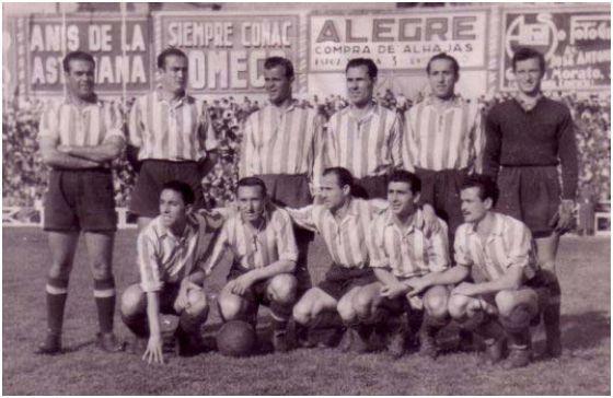 Formación 1944-45: De pie: Sosa, Rey, Melito, Mas Acedo, Martí. Agachados: Trompi, González, Sierra, García, Galvany.