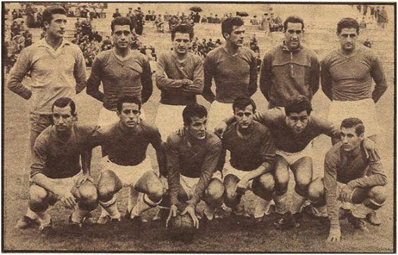 Formación 1959-60.De pie: Piris, Becerril, Pellejero, Forneris, Candi, Méndez.  Agachados: Vicente D., Juanito Vázquez, Carranza, Martínez L., Benavídez, Arsenio.