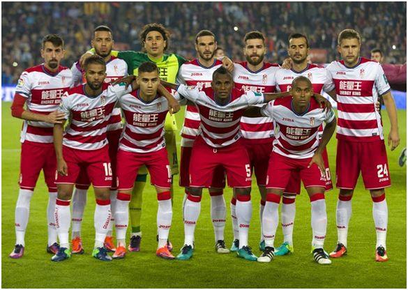 Formación 2016-17: Arriba: Cuenca, Vezo, Guillermo Ochoa, Lombán, Jon Toral, Saunier, Kravets. Agachados: Carcela, Andreas Pereira, Agbo, Gabriel Silva.