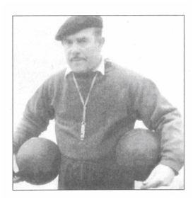 Manuel López Llamosas, Travieso. Fuente: Varela Gómez, Joseba Gotzon: Euskadiko Futbol Selekzioaren Historia/Historia de la Selección de Fútbol de Euskadi. Bilbao, Beitia Ediciones de Historia, 1998.)