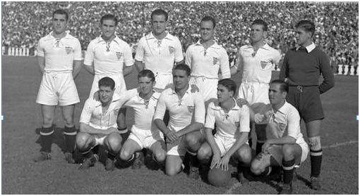 Formación 1943-44 De pie: Alconero, Félix, Mateo, Villalonga, Joaquín, Busto. Agachados: López, Pepillo, Campanal, Arza, Rincón.