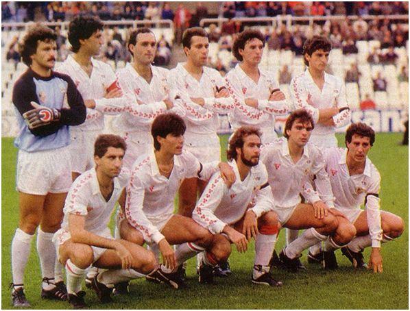 Formación 1986-87. De pie: Fernando, Álvarez, Rafa Paz, Moisés, Serna, Jiménez. Agachados: Nimo, Choya II, Nadal, Cholo, Jiménez.