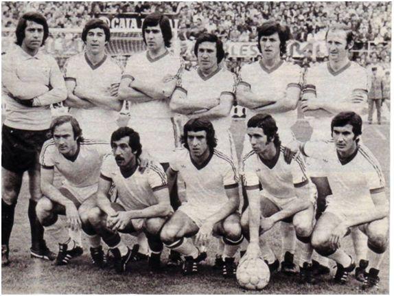 Formación 1976-77. De pie: Paco, Juanito, Rivas I, Hita, Blanco, Gallego. Agachados: Scotta, Cantudo, Rubio, Montero, Jaén.