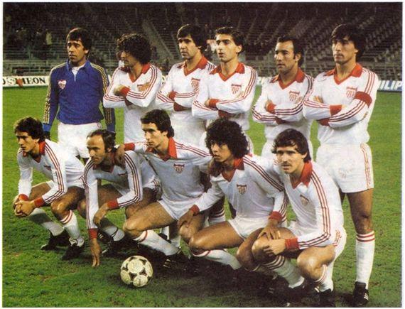Formación 1979-80. Arriba: Paco, Juanito, Rivas I, Nimo, Sanjosé, Blanco.  Agachados: Juan Carlos, Scotta, Montero, Murua, Bertoni.