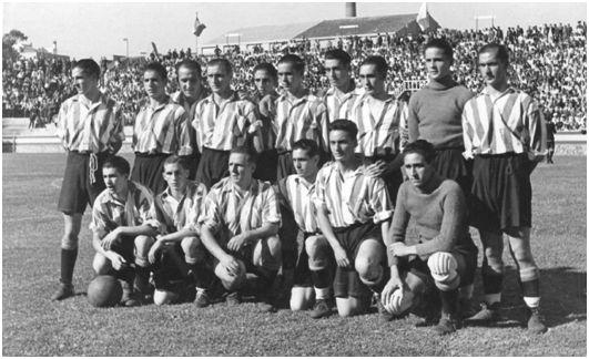 FOTO: Las Corts (Barcelona). 29 de junio de 1939. Combinado Nacional – Bilbao Athletic Club, 1. Equipo bilbaíno desplazado a Barcelona. (Fotografía cortesía de la familia Etxebarria Bitorika).