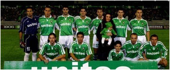 Formación 2002-03: De pie: Bello Seráns, Pezzarossi, Jaio, Íñígo, Raúl López, David Pérez, Boughanem. Agachados: Razic, Rambier, Cuéllar, Pablo Rodríguez.