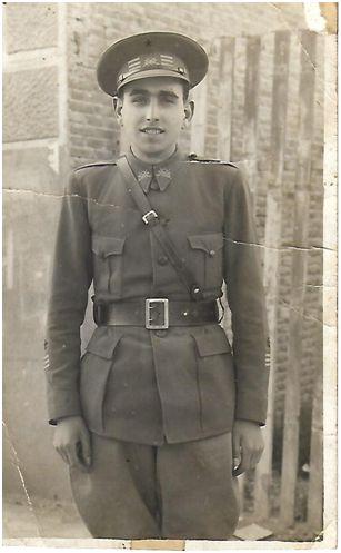 Juan José Vallejo con 25 años, capitán del Ejército Republicano, hacia 1937 (archivo familiar, foto cedida por Doña Isabel Vallejo).