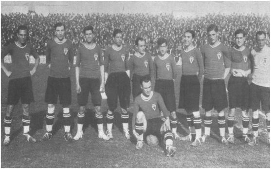 Alineación del Real Murcia en el histórico partido jugado en Chamartín el 7 de marzo de 1926. Jesús Pagán es el segundo por la izquierda (FOTO ARCHIVO PEDRO GARCÍA)