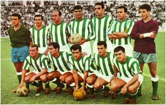 Formación 1964-65. Arriba: García, López, Simonet, Mingorance, Tejada, Ricardo Costa, Reina. Agachados: Luis Costa, Juanín, Miralles, Galilea, Benítez.