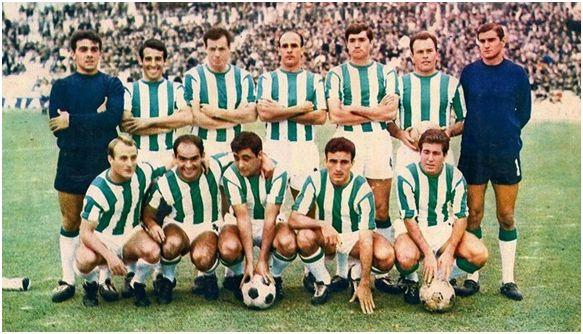Formación 1967-68. Arriba: García, López, Navarro, Simonet, Torres, Ricardo Costa, Ortiz. Agachados: Luis Costa, Juanín, Arana, Riera, Muñoz.