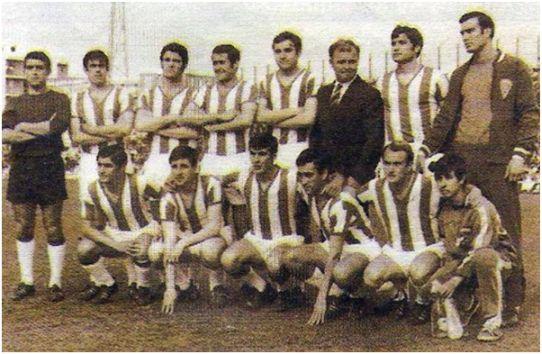Formación 1968-69. Arriba: García, López Prieto, Toledo, Ponce, Escalante, Kubala, Torres, Ruiz. Agachados: Rojas, Alfonso, Jaén, Diego, Luis Costa.
