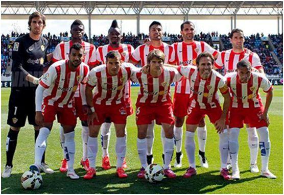 Formación 2014-15: Arriba: Julián, Thomas, Thievy, Dos Santos, Trujillo, Verza. Agachados: Michel Macedo, Hemed, Dubarbier, Corona, Wellington.