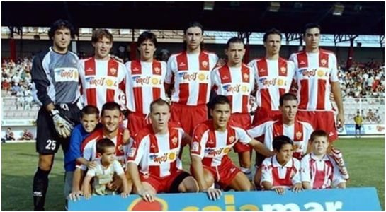 Formación 2002-03. Arriba: Cano, Luna, Cervián, Jaime, José Ángel, Pignol, Lozano. Agachados: Jorge Pérez, Juanlu, Francisco, Esteban N.
