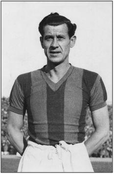 Ángel Zubieta, luciendo los colores del San Lorenzo de Almagro. Cuando fichó por el equipo bonaerense no imaginaba acabaría sus días en la República Argentina.